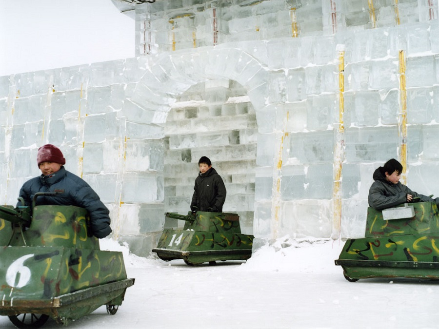 China-Haerbin-Ice sculptur festival-2003
